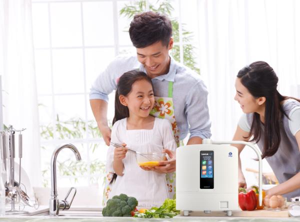 Chăm sóc gia đình với nước ion kiềm Kangen